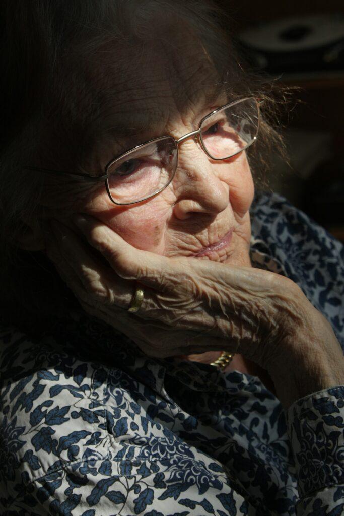 Woman 65675 1920